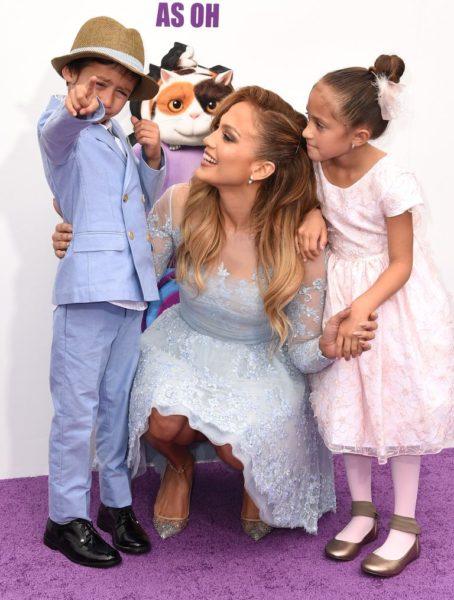 Фото Дженнифер Лопес с детьми