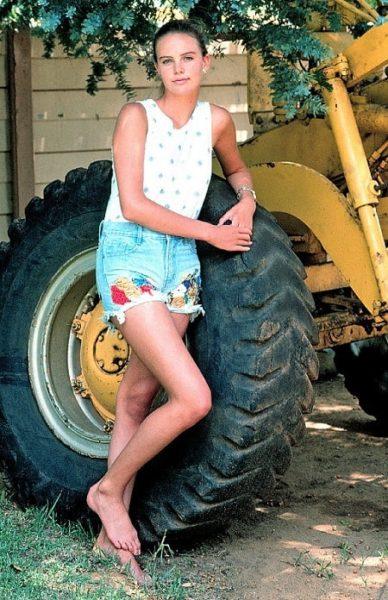 Шарлиз Терон в детстве. Фото