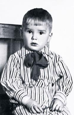 Александр Абдулов в детстве. Фото