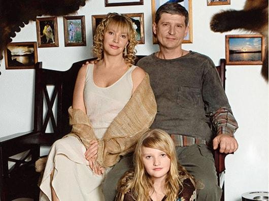 Елена Прошлова и Андрей Тришин с дочерью