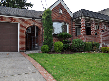 After granting a demolition permit, the City of Portland agreed to give next-door neighbor Doug Clark 120 days to convince the new owners not to demolish this single-family house at 3419 N.E. 35th Pl. If Clark fails, the home will be razed to divide the property for two new homes. (Doug Clark)