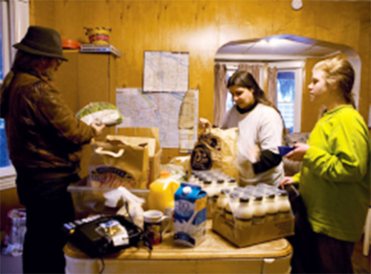 Network of volunteers helps feed city's homeless