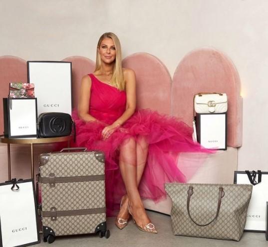 Lorinska Merrington with products