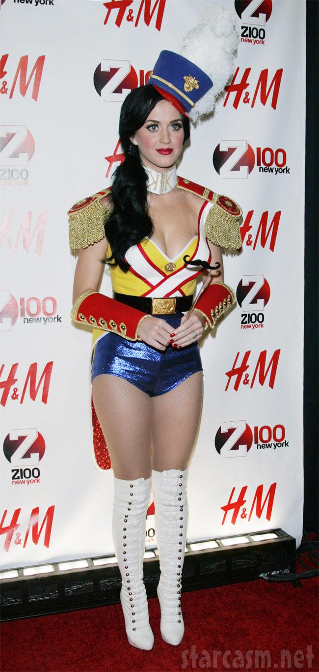 Katy Perry Beach Ball Costume