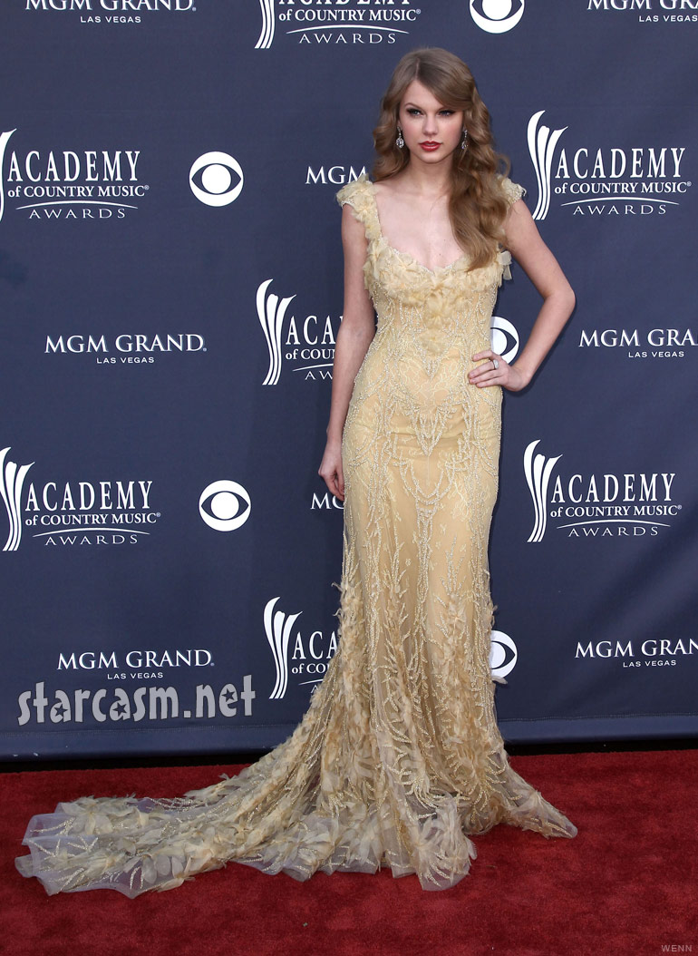 Taylor Swift at the 2011 Academy of Country Music Awards red carpet