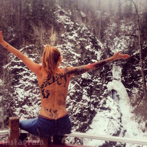 Slednecks Tosca Yeager back Tattoos topless