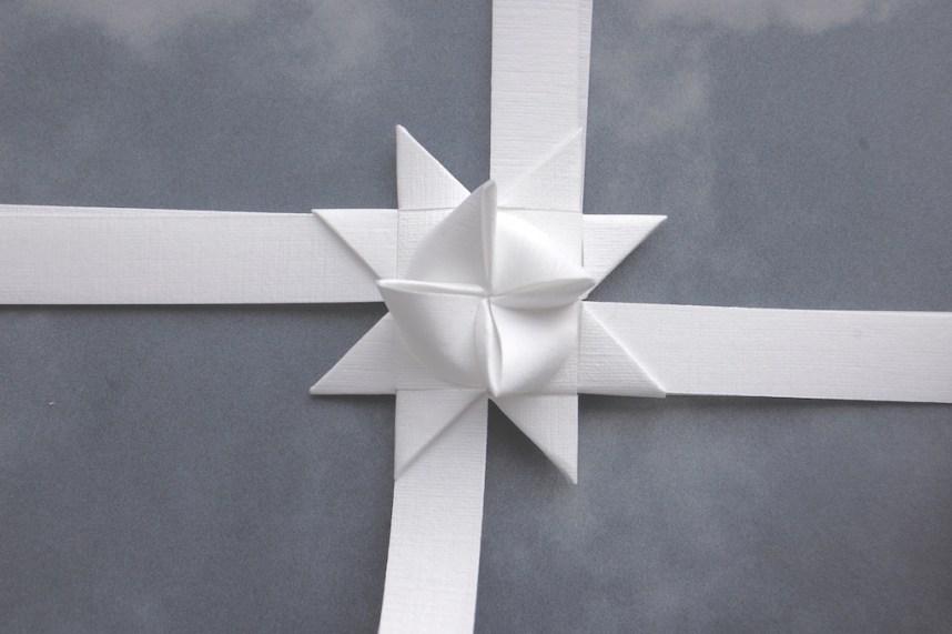 Trin 14 hvordan fletter man julestjerner så er den ene side færdig