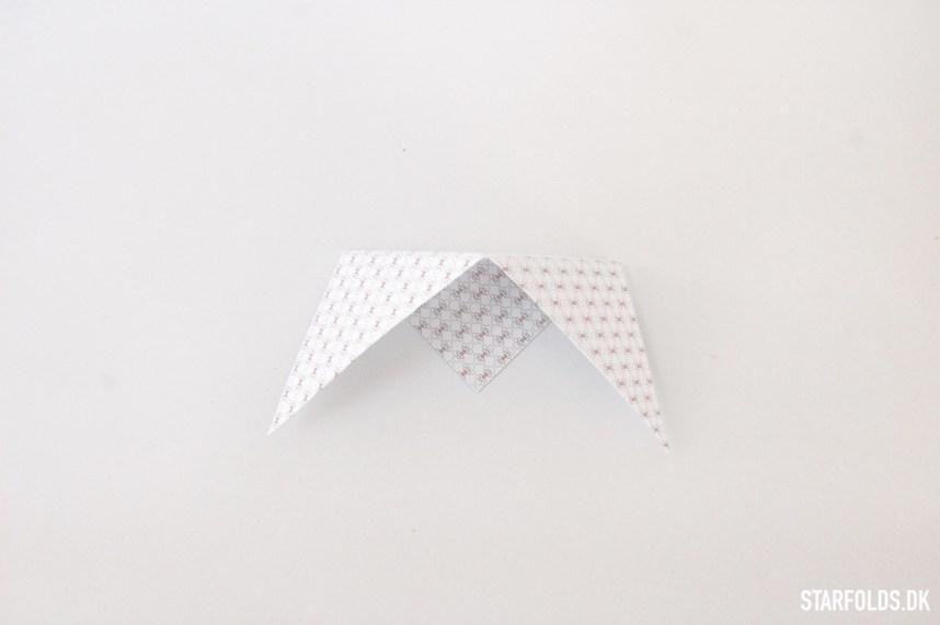 Trin 2 DIY geometriske æsker i papir et færdigfoldet modul