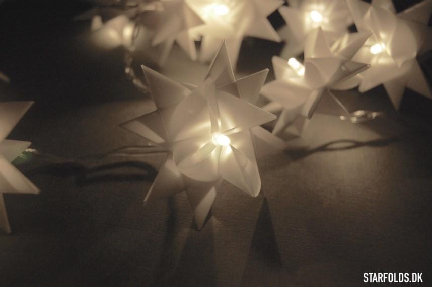 DIY Flette stjerner som lysguirlande i hvid