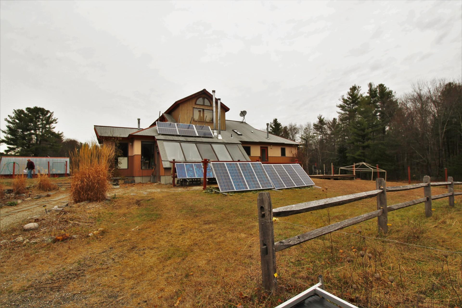 Starlight Llama Bed & Breakfast Solar Panels