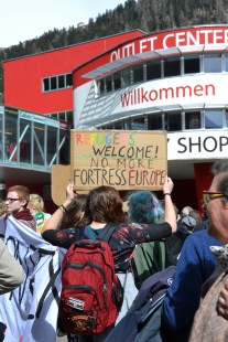 Willkommen and welcome