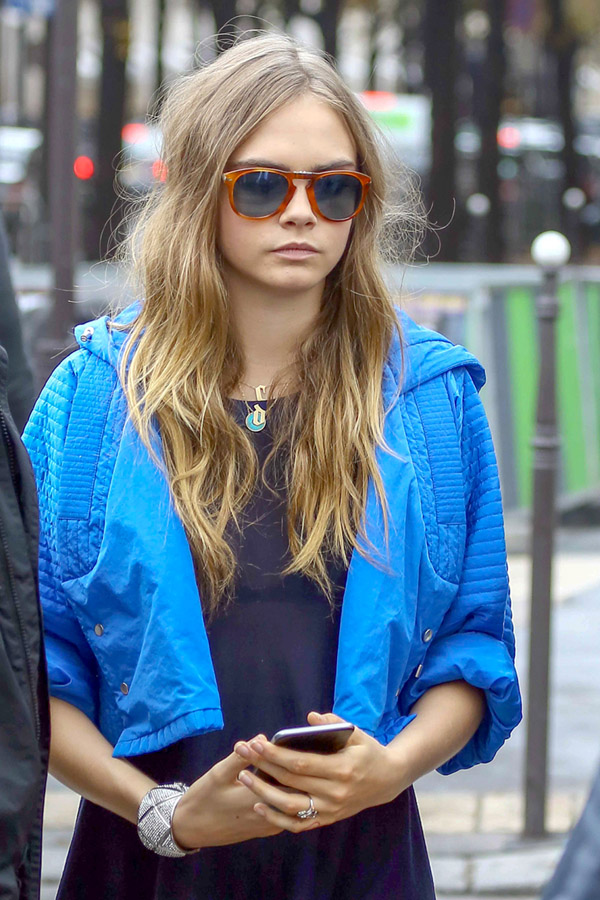 Cara Delevingne Engagement To St. Vincent—See Their ...