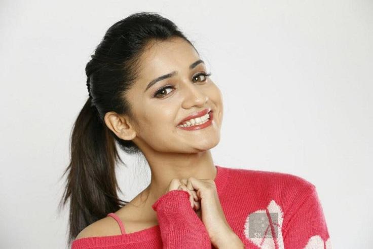 Hruta Durgule Marathi Actress Biography STAR Marathi