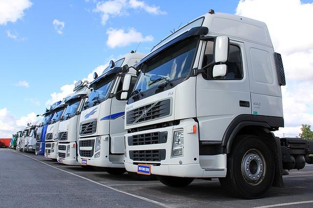 truck-1501222_640 (2)