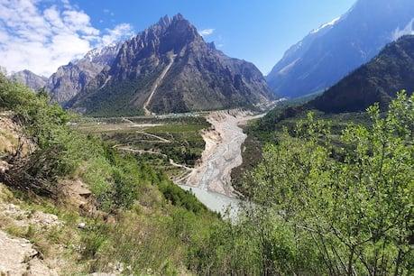 नहीं मान रहा नेपाल! सीमाई इलाकों में जगह-जगह बनाए हेलीपैड, नेपाली आर्मी बना रही 285 KM लंबी सड़क