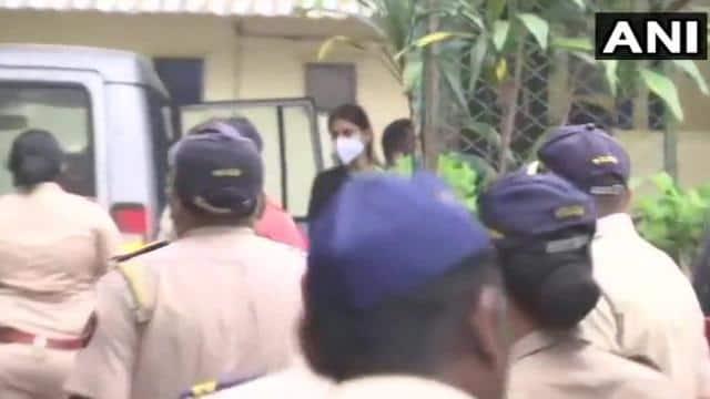 सुशांत सिंह केस LIVE: अब भायखला जेल होगा रिया चक्रवर्ती का 22 सितंबर तक ठिकाना, एनसीबी अभिनेत्री को लेकर पहुंची