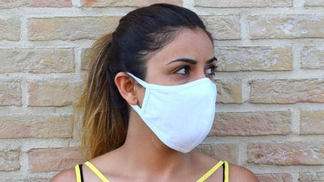 मास्क पहनने से कम हो सकता है कोरोना का संक्रमण, इम्यून सिस्टम मजबूत करने में भी मिलेगी मदद: रिपोर्ट