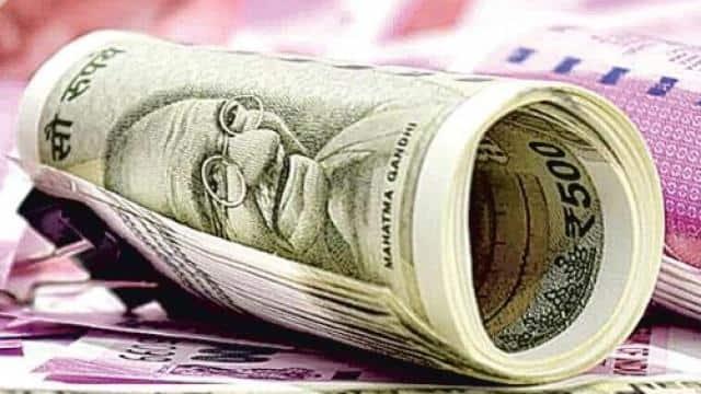 दौड़ पड़ी अर्थव्यवस्था की गाड़ी, मोदी सरकार और आम आदमी को खुश करने वाले आंकड़ों ने दिए शुभ संकेत
