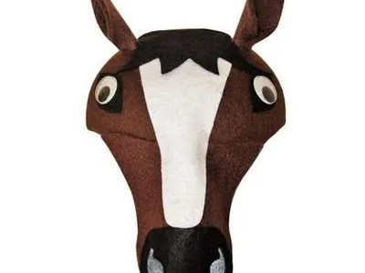 Laste vildist müts, hobune