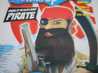 Piraadi komplekt