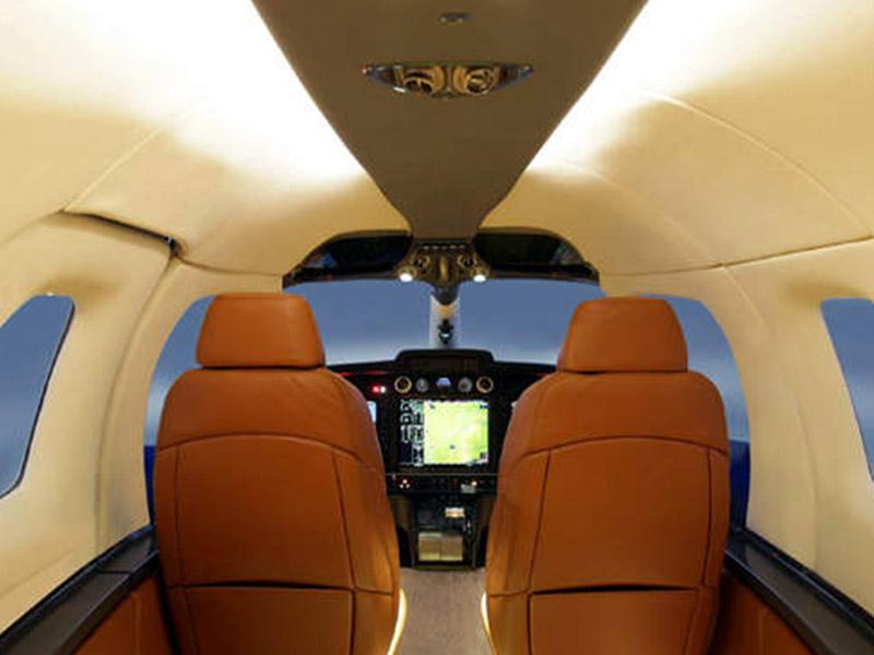 Diamond D-Jet Private Jet Hire