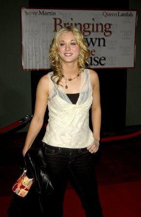 Kaley Cuoco im März 2003