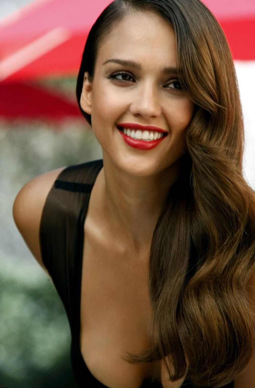 Jessica Alba Top Best Looks Photos Video