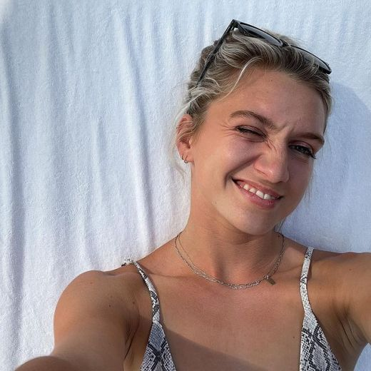 Anna-Sitar-age
