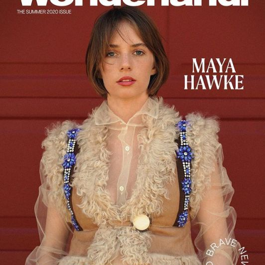 Maya-Hawke-ethnicity