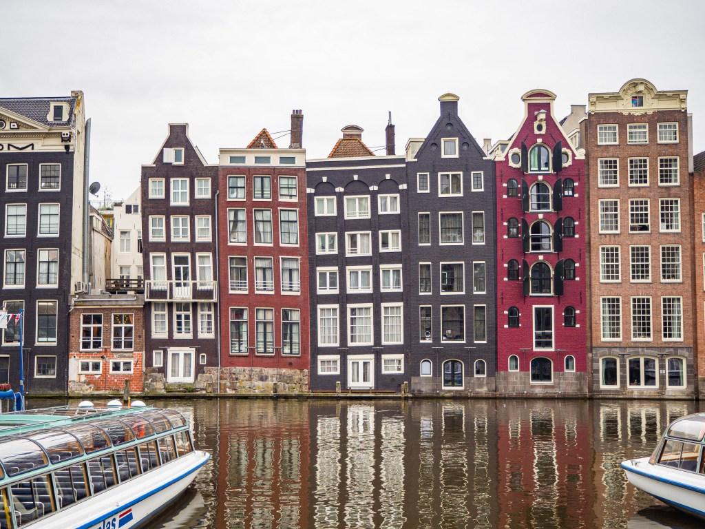amsterdam photo gingerbread houses on Damrak