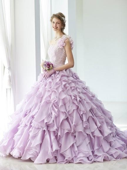 Carolina Herrera(キャロリーナ・ヘレラ)のウェディングドレス紹介