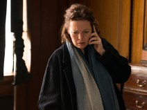 the-night-manager-ep4-angela-burr-olivia-colman-photos-800x600