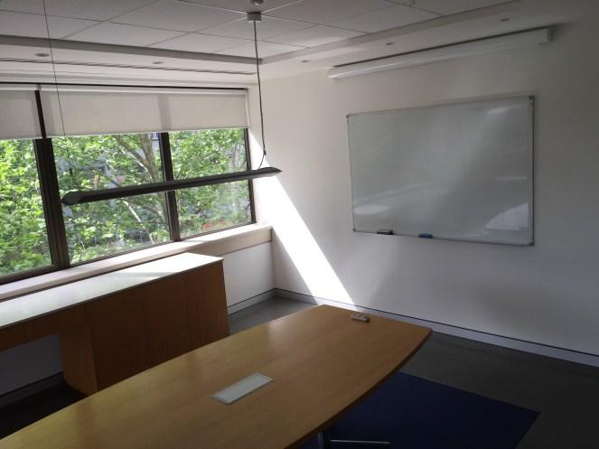 100c-meeting-room-img_4686