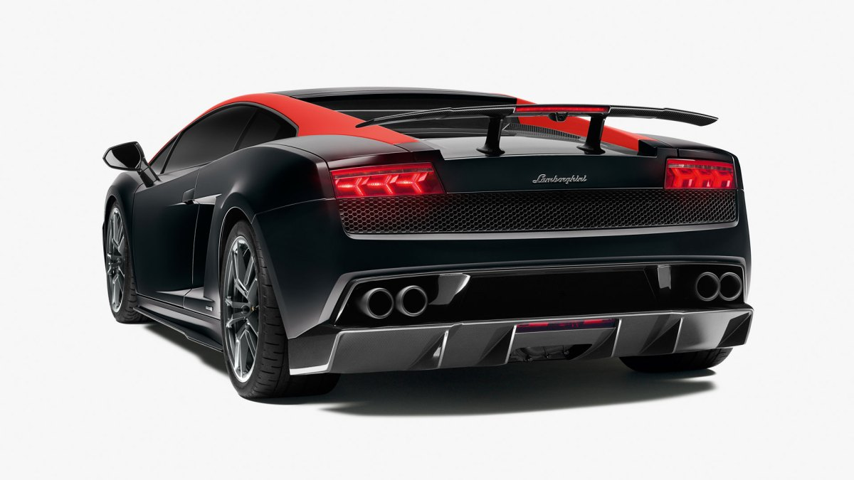 Lamborghini-rear-Quarter