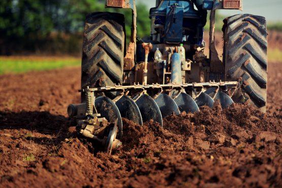 Zimbabwe signs US$3.5 billion Farmer compensation deal