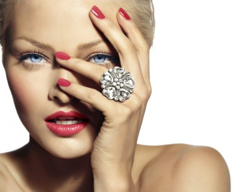 GlossPod Manicure