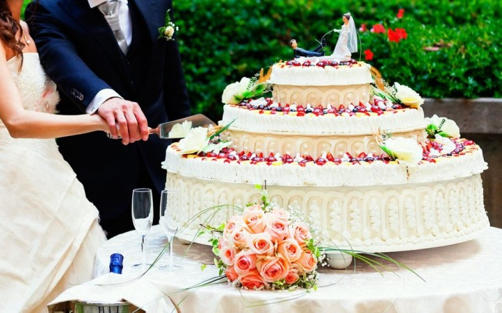 facts-about-wedding-cakes-ftr