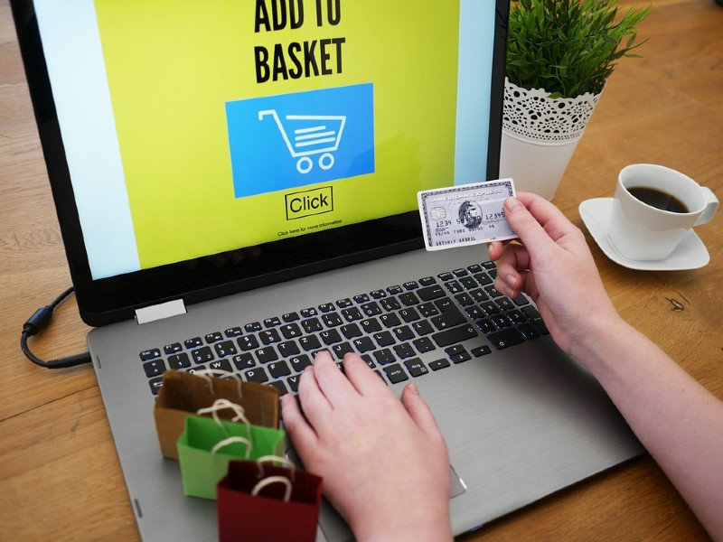 Customers' Purchasing Experience - How Payment Gateways Work in eCommerce