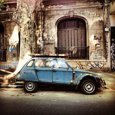 A blue car in Palermo Soho
