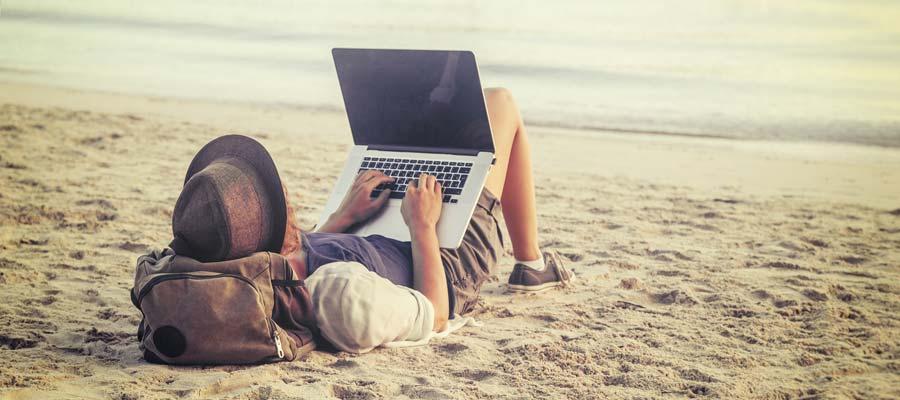 Digitaler Nomade (Bild: Shutterstock)