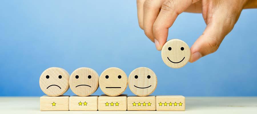 Online-Bewertungen kaufen (Bild: Shutterstock)