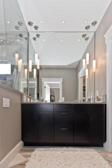 9-endless-view-dr-weaverville-large-020-18-owners-bathroom-667x1000-72dpi