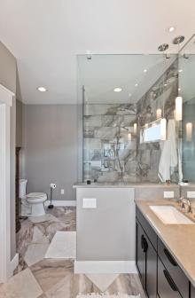 9-endless-view-dr-weaverville-large-021-10-owners-bathroom-655x1000-72dpi