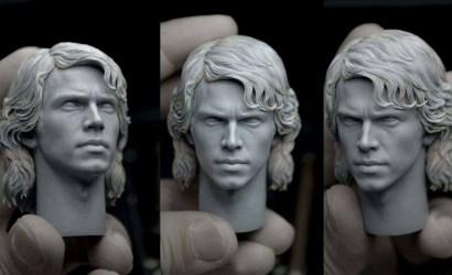 Headsculpt der Hot Toys Anakin Skywalker 1/6 Scale Figure im Detail
