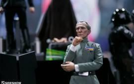 #SDCC2017: So sieht die neue Hot Toys Grand Moff Tarkin Figur aus!