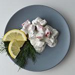 Paluszki z surimi w sosie jogurtowym