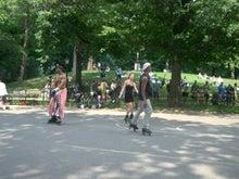 N.Y.に恋して☆-スケーター at Central park