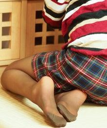 畳の上のストッキング脚は最高に美しい | ストッキングの達人を目指すブログ