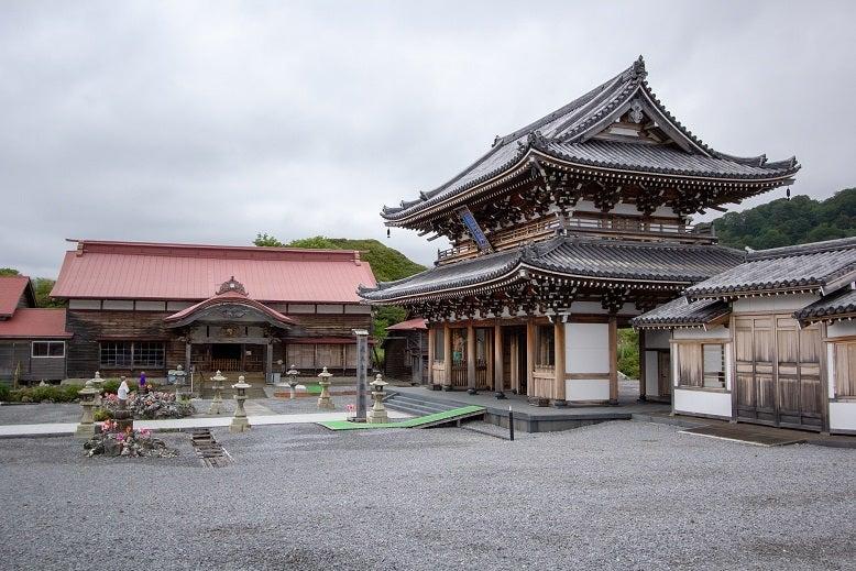 恐山 ④伽羅陀山(釜臥山)菩提寺 | 神社仏閣に癒しの音が響く