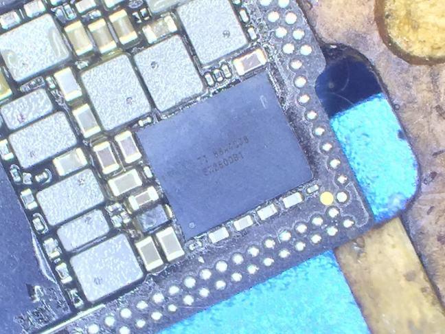 iPhoneXS充電IC